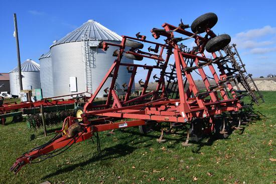 Case-IH 4800 29' field cultivator