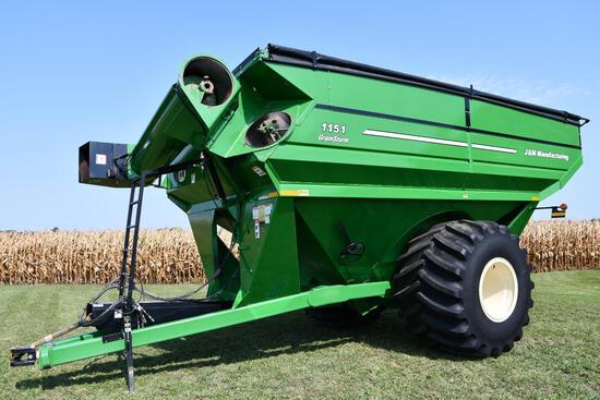 J&M 1151-22S grain cart