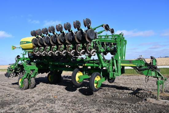 "2008 John Deere 1790 CCS 24 row 20"" planter"