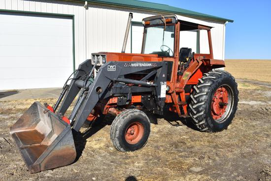 International Harvester 986 2wd tractor