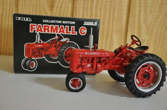 ertl collector edition farmall C tractor 1/16 scale