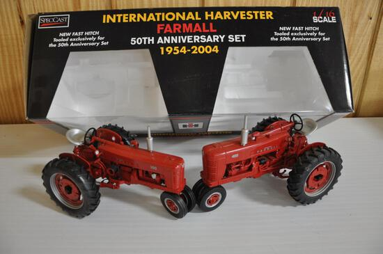 50th anniversary set farmall 300 and 400 tractor diecast 1/16 scale