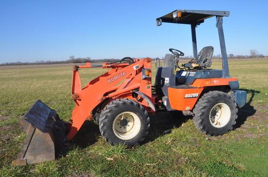 2004 Kubota R520S wheel loader