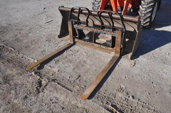 "48"" pallet forks with skid steer hookup"