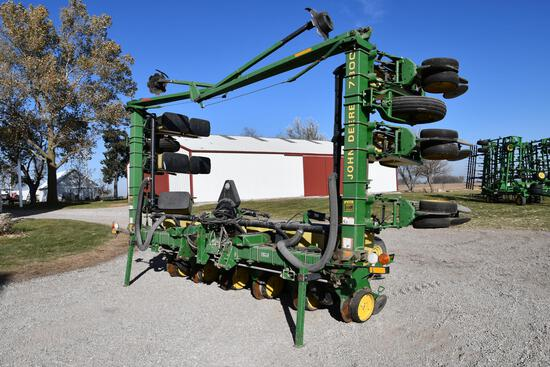 "1990 John Deere 7300 12 row 30"" vertical fold planter"