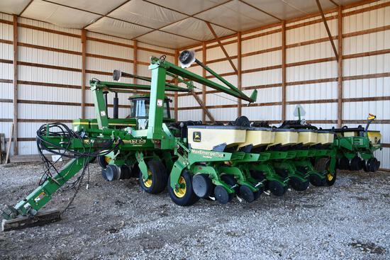 1997 John Deere 1780 16/31 planter