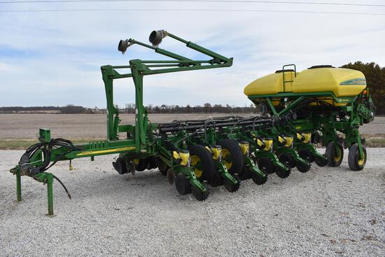 "2003 John Deere 1770NT CCS 16 row 30"" planter"