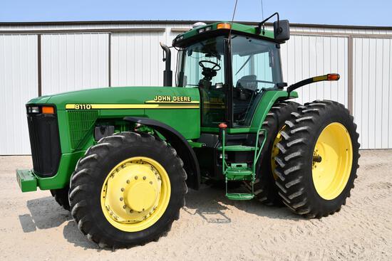 2001 John Deere 8110 MFWD tractor