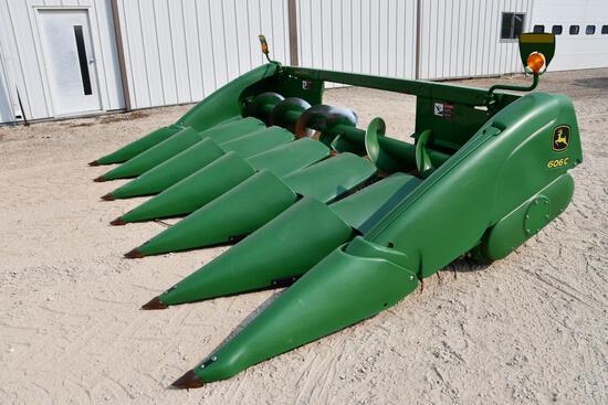 "2016 John Deere 606C 6 row 30"" corn head"