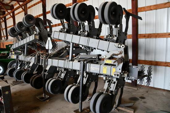 "Hiniker 5000 12 row 30"" cultivator"