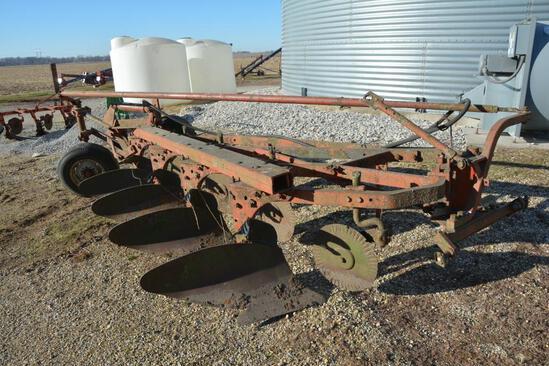 International Harvester 540 4 bottom semi-mount plow
