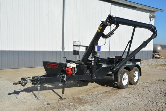 """2015 Clarks Ag Supply """"EasyLoad"""" 2 box tandem axle seed tender"""