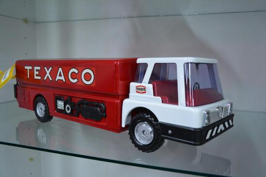 Metal Texaco fire tanker truck