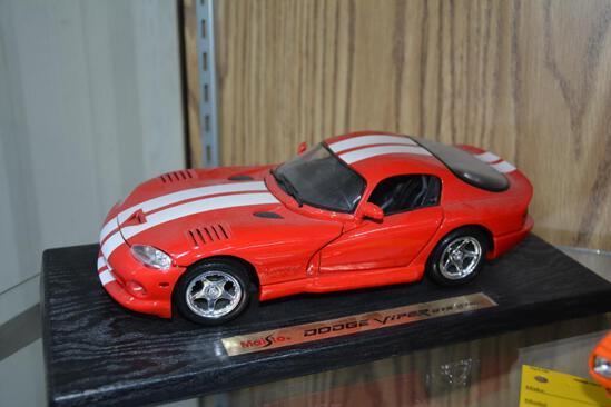 Maisto 1996 Dodge Viper GTS model car