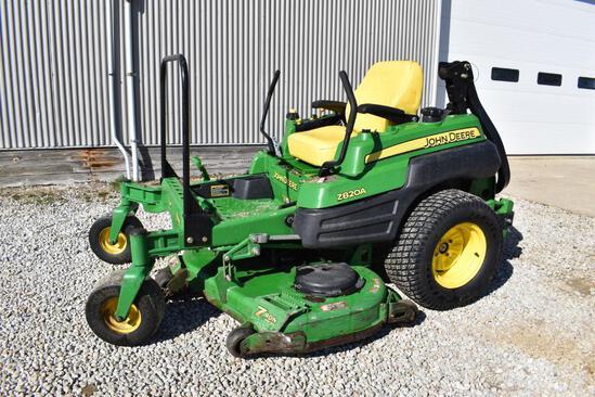 John Deere Z820A zero turn lawn mower