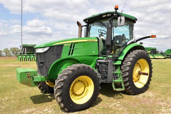 2013 John Deere 7200R MFWD tractor