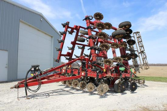 Salford 570 30' vertical tillage tool