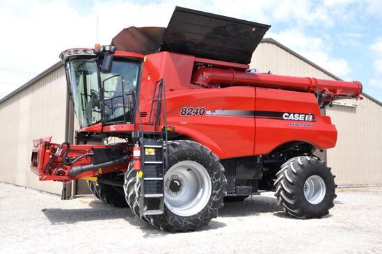 2015 Case-IH 8240 2wd combine