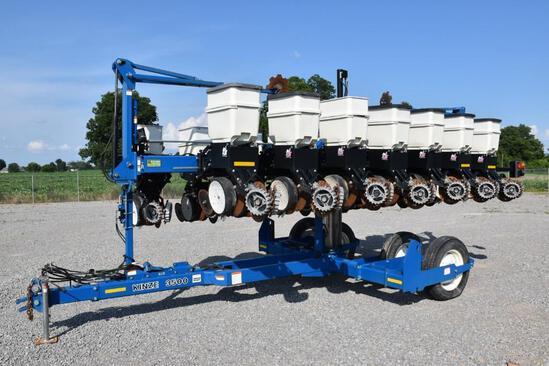 2013 Kinze 3500 8/15 planter