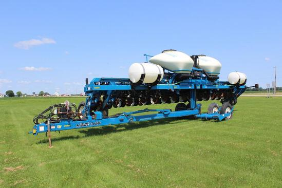 """2010 Kinze 3660 ASD 16 row 30"""" planter"""