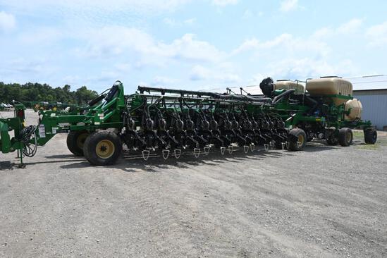"2019 Great Plains YP2425 36 row 20"" planter"