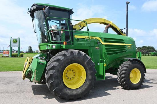 2014 John Deere 7780 4wd self-propelled forage harvester