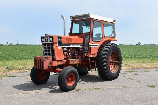 1976 International 1066 2wd tractor