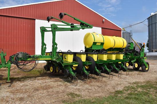 "2012 John Deere 1770NT 16 row 30"" planter"