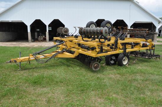 Landoll 875 25' soil finisher