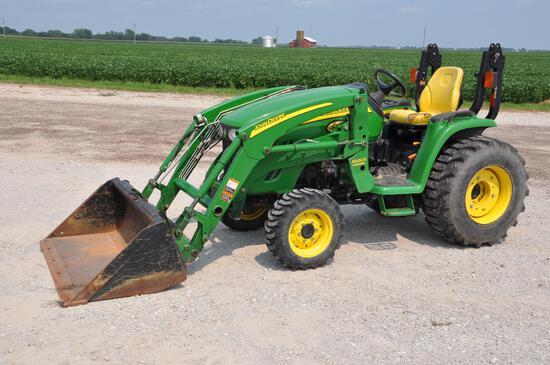 2008 John Deere 3320 MFWD compact utility tractor