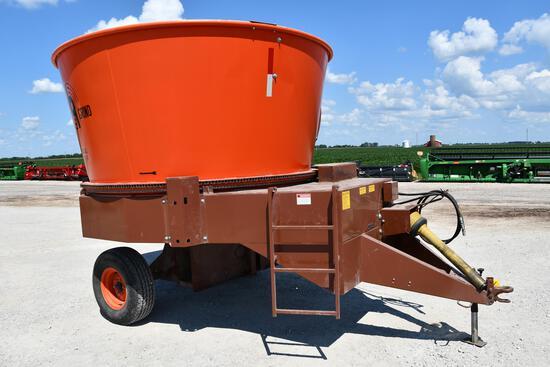 Roto Grind 1090 tub grinder