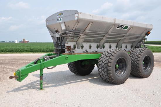 2015 BBI MagnaSpread Ultra Dry fertilizer spreader