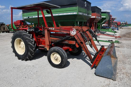 International 574 2wd tractor