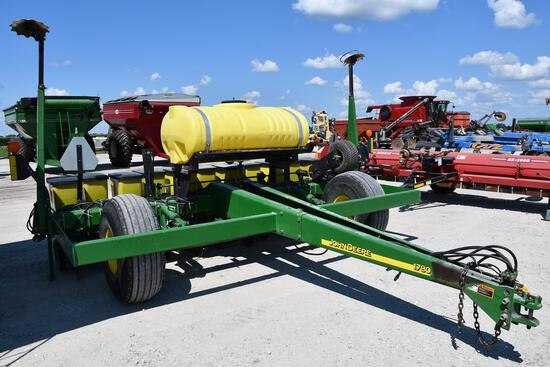 2003 John Deere 1780 6/11 planter