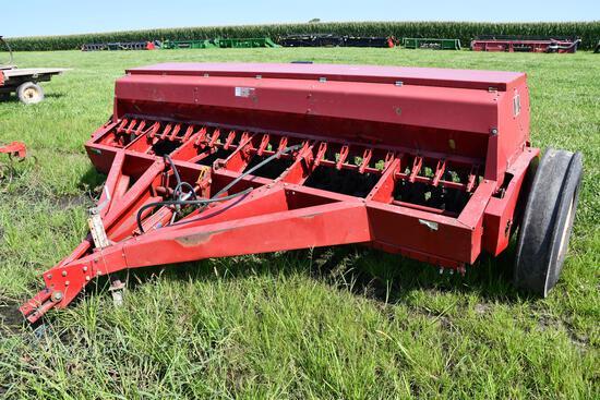 International 5100 12' grain drill