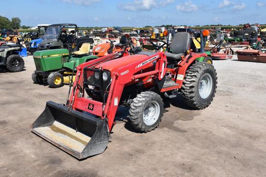 Massey Ferguson 1528 MFWD compact utility tractor
