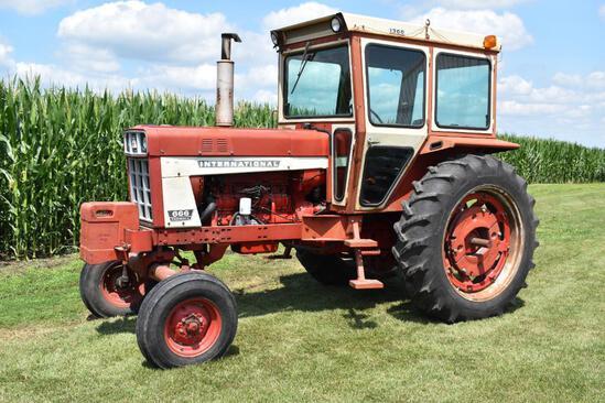 1973 International Farmall 666 2WD tractor