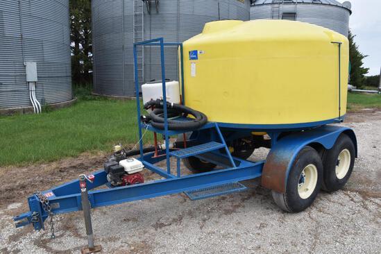 CR Mfg. 1,200 gal. nurse trailer