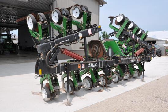 """Sukup 9400 12 row 30"""" high speed cultivator"""