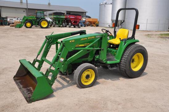 1999 John Deere 4300 MFWD compact tractor