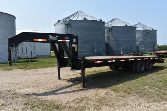 2002 Mustang Trailers 25' flatbed trailer