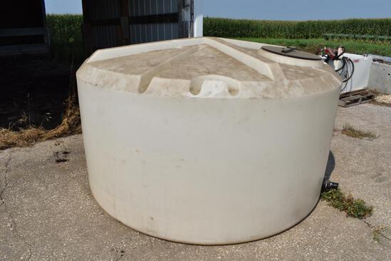 Tanks LTD 1,050 gal. poly tank