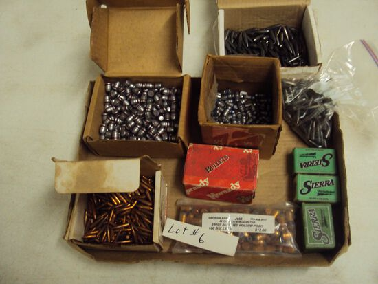 TRAY LOT OF BULLET HEADS FOR RELOADING