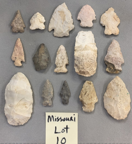 Lot of Missouri arrowheads and scrapers.