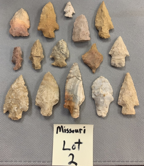 Lot of arrowheads, drills, & blades All for one money