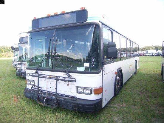 9-13114 (Trucks-Buses)  Seller:Sarasota County Area Transit 2002 GLLG PHANTOM