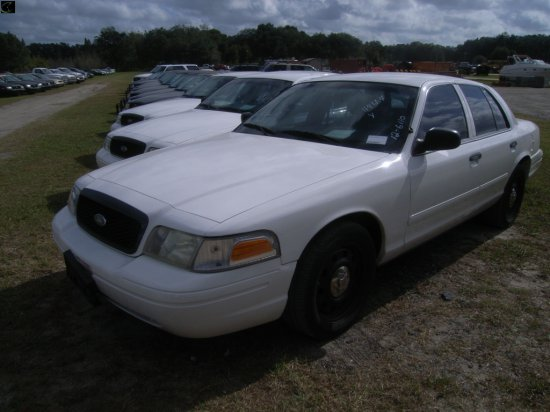 12-06110 (Cars-Sedan 4D)  Seller:Lee County Sheriff 2006 FORD CROWNVIC