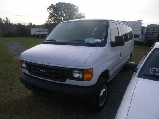 12-09135 (Trucks-Van Cargo)  Seller:Florida State DOH 2003 FORD E150