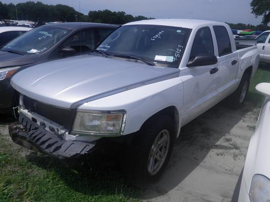 9-05123 (Trucks-Pickup 4D)  Seller:Private/Dealer 2011 DODG DAKOTA