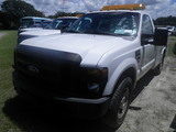9-08118 (Trucks-Utility 2D)  Seller: Gov/Sarasota County Commissioners 2009 FORD F350SD
